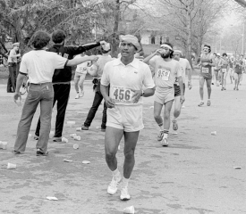 guru-running-1979